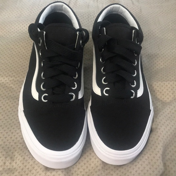 db4ebe9621 Oversized Lace Vans Old Skool. M 5ad35b789cc7ef1a8bd1794e